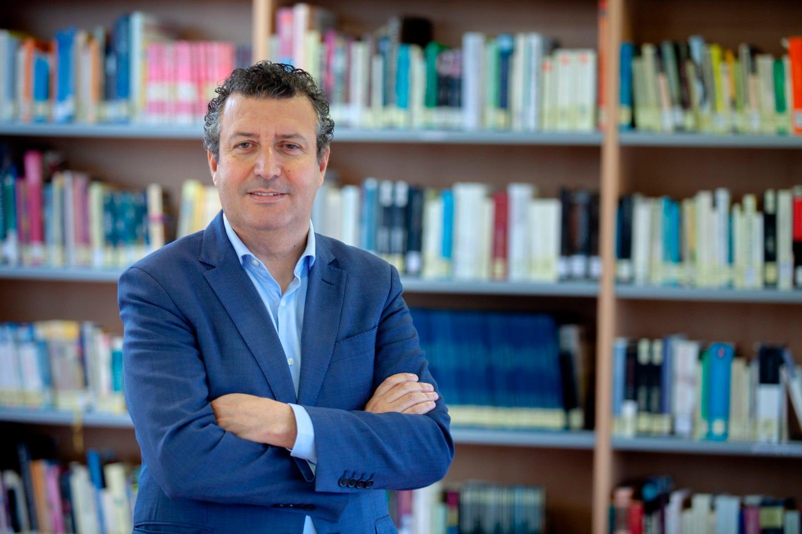 Cascada de apoyos para que el regidor de La Rinconada lidere el PSOE sevillano