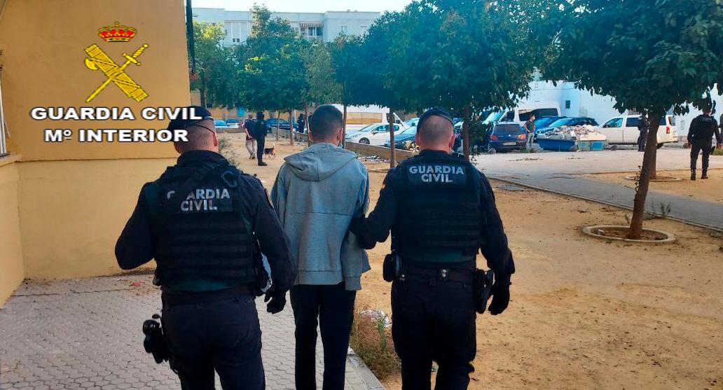 Cae una red que robaba armas a cazadores para cometer robos en Sevilla y Dos Hermanas