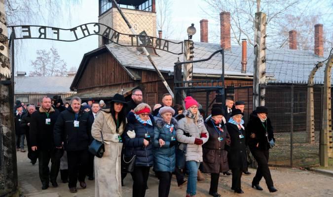 Supervivientes a las puertas de Auschwitz