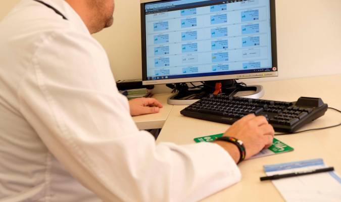 Resultado de imagen de virus informáticos en los hospitales