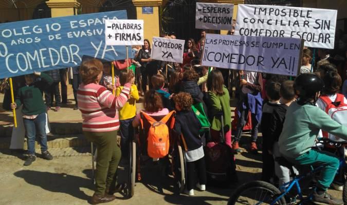 Queremos un compromiso firme para el comedor del colegio España»