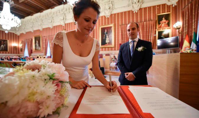 Desplome de bodas civiles en el Ayuntamiento de Sevilla