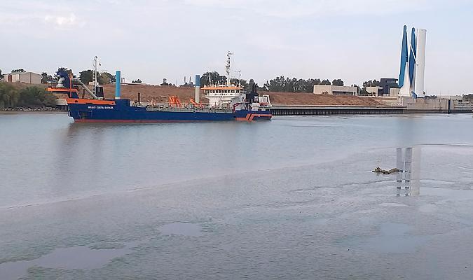 El Puerto De Sevilla Empieza A Regenerar Las Playas De Sanlucar De