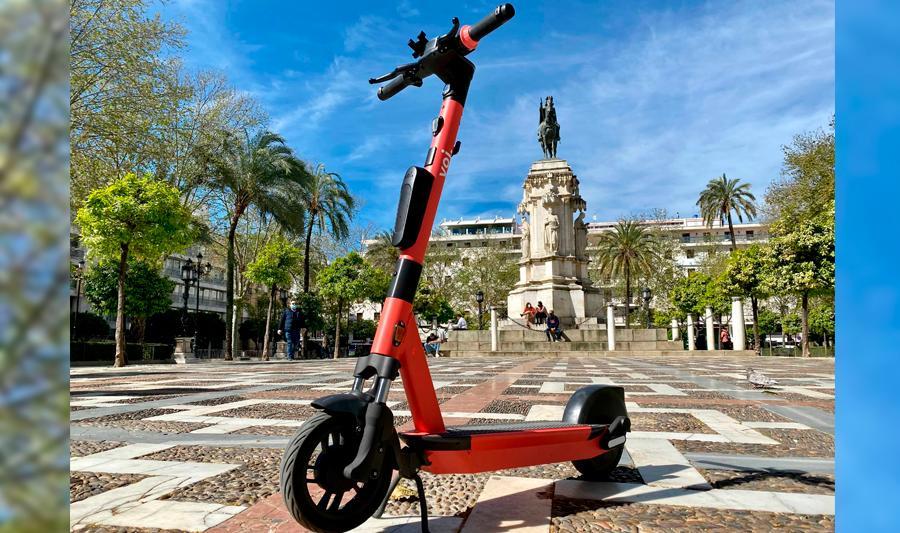 Torre Sevilla invita a probar gratis patinetes de última generación en un circuito