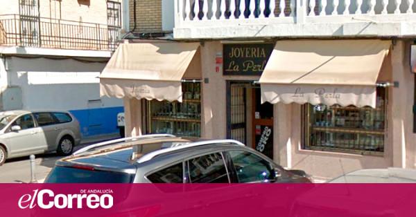 f6e196560919 Tres detenidos en Sevilla por asaltar a una representante de joyería