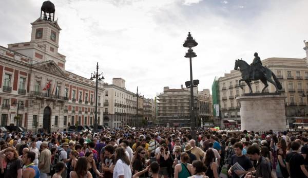Proh ben la concentraci n del 15m este s bado en la puerta for Puerta del sol hoy