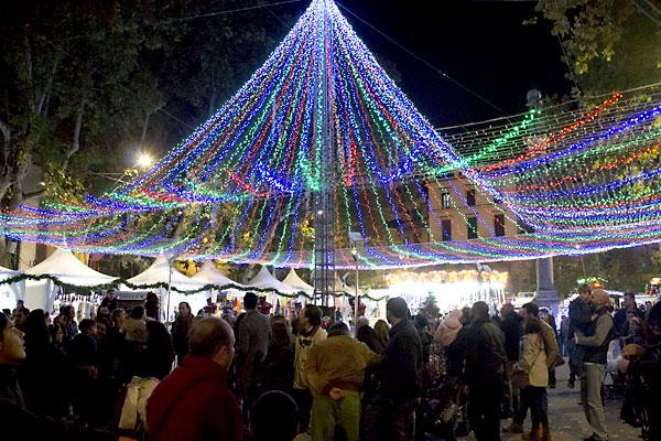 El ayuntamiento ofrece patrocinios para un evento - Iluminacion de navidad ...