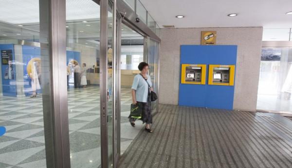 Caixabank abrir 290 oficinas por las tardes for Oficines caixabank