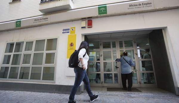 La cifra de parados en andaluc a sube en personas en for Oficina de empleo andalucia