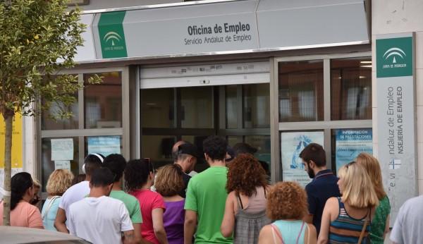 Sevilla se salva de la subida del paro andaluz for Oficinas sae sevilla