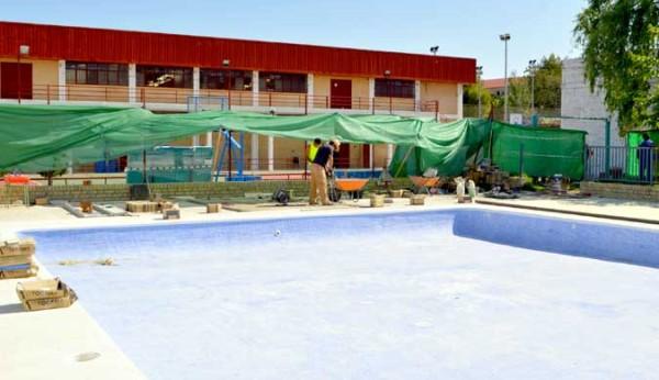 Se reforman las piscinas del polideportivo municipal de osuna for Piscina municipal alcala de guadaira