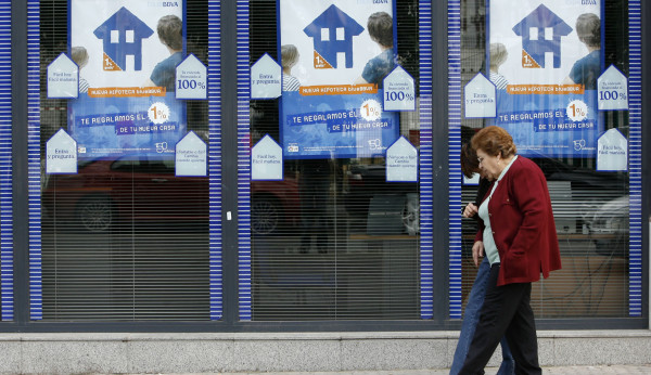 Europa obliga a la banca a devolver millones por las for Bancos devolver clausulas suelo