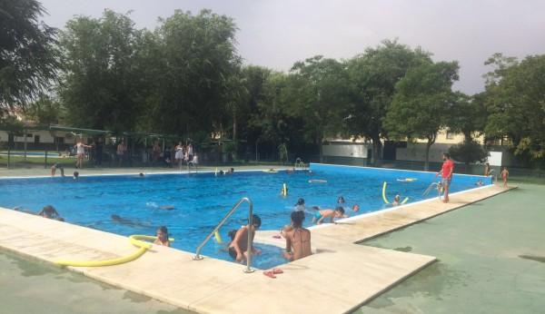 Fin a la temporada en las piscinas municipales for Piscina municipal alcala de guadaira