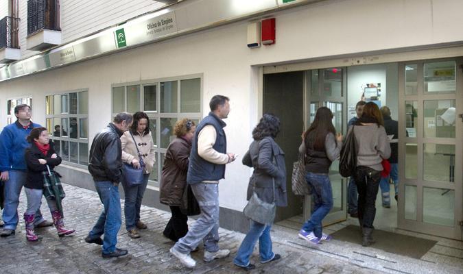 El paro sube en noviembre en personas for Oficina del sae