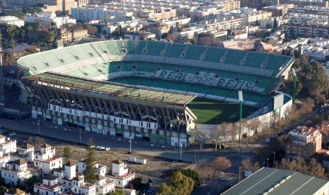 Dos guardias civiles hablan del glorioso estadio benito for Puerta 19 benito villamarin