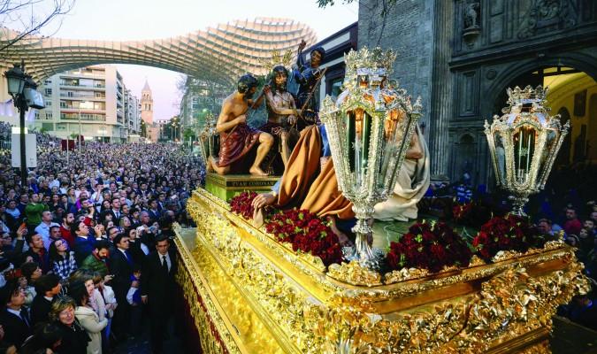 La Archicofradía de El Valle es la primera hermandad de Sevilla que recibió esta distinción. / Inma Flores