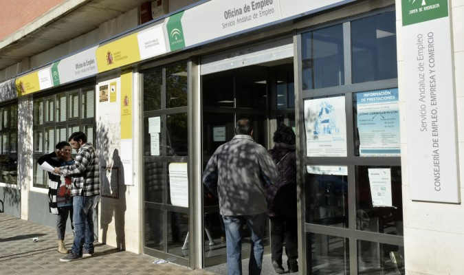 Andaluc a registra parados m s en enero - Oficina seguridad social sevilla ...
