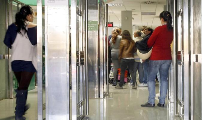 Andaluc a necesita el doble del empleo previsto para for Bbva sevilla oficinas