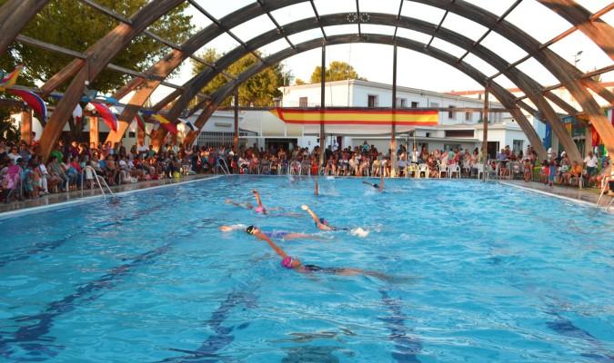 La piscina municipal abre ma ana con entrada gratis para for Piscina municipal alcala de guadaira