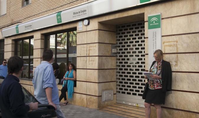 Andaluc a cierra el mes de julio por debajo del mill n de for Oficinas de correos en malaga capital