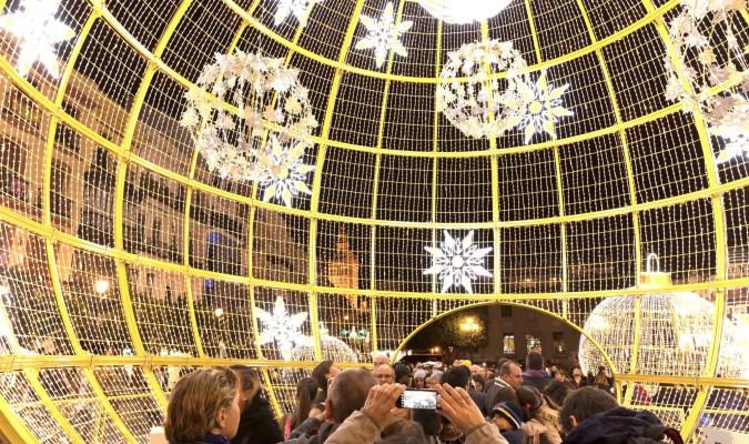 Sevilla busca una navidad de temporada alta - Iluminacion sevilla ...