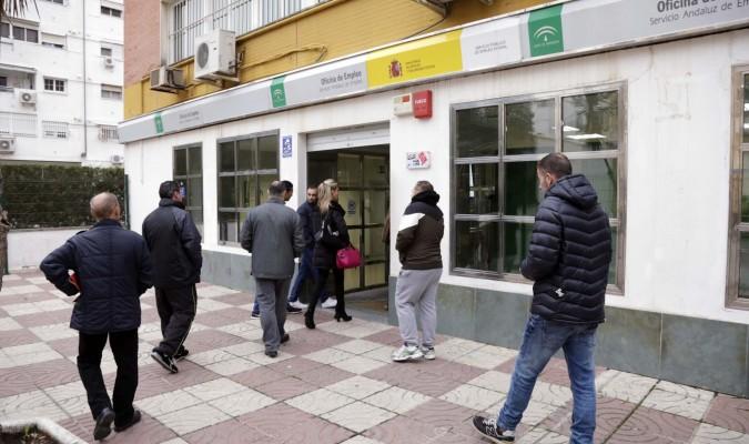 Febrero termina en andaluc a con parados m s hasta for Oficina del sae