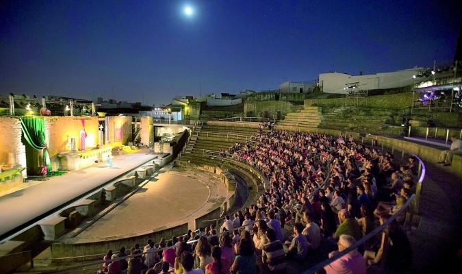 El flamenco se cuela en las noches del teatro romano de for Teatro en sevilla este fin de semana