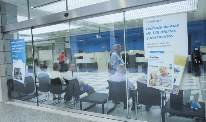 Caixabank elimina todas las cl usulas suelo de las for Oficinas caixabank madrid