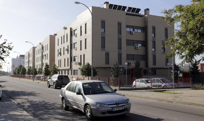 La junta gestionar 70 viviendas vac as de la sareb en for Viviendas de alquiler en sevilla capital