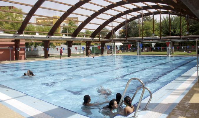 sevillanos disfrutaron de las piscinas municipales