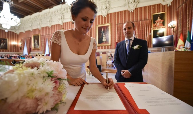Matrimonio Catolico Registro Civil : El final de las bodas en el registro civil provoca una avalancha