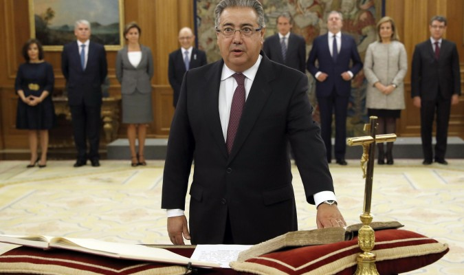 Rajoy nombra a zoido ministro de interior for Ministro del interior espana 2016