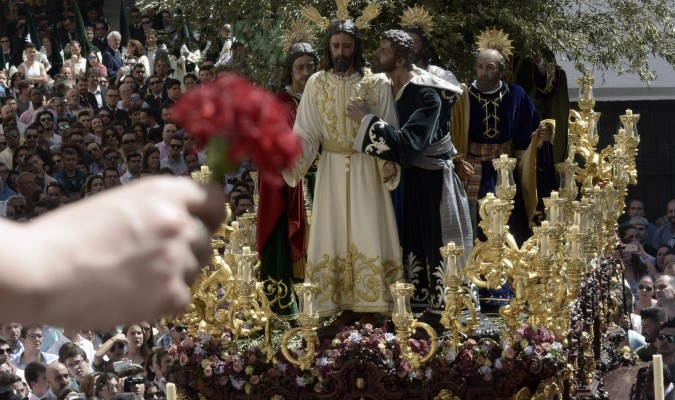 El misterio de la Redención representa la hora fatídica de la traición de Judas con un beso. / Manuel Gómez
