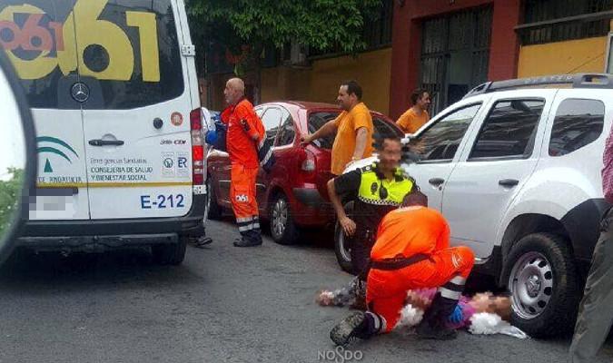 Herida grave una anciana tras ser atropellada en la calle for Sanitarios sevilla