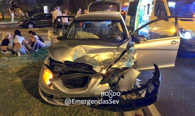 Aparatoso accidente en Luis Uruñuela