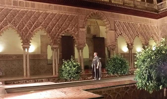 La noche y la historia caen sobre el Alcázar