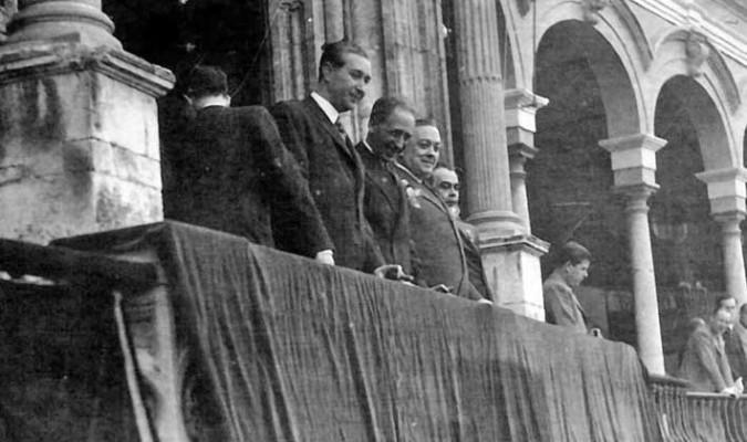 La Sevilla taurina de 1936: de la República al Cara al Sol...