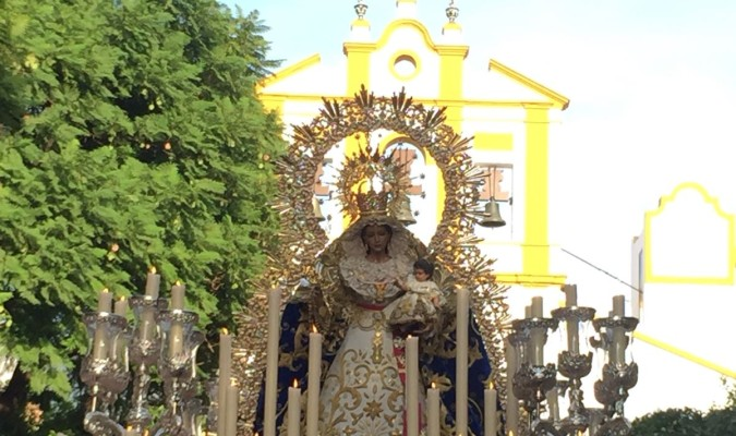 Miércoles de Ceniza. El Cristo de las Cinco Llagas en el viacrucis que protagoniza cada año al inicio de la Cuaresma. / J.M. Cabello