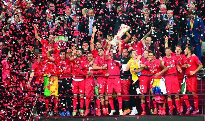 ff64e058df32a Sevilla Fútbol Club cinco estrellas
