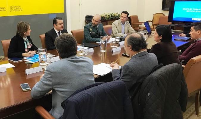 El grupo de trabajo de análisis de accidentabilidad de motocicletas celebró ayer su primera sesión en Sevilla. / El Correo
