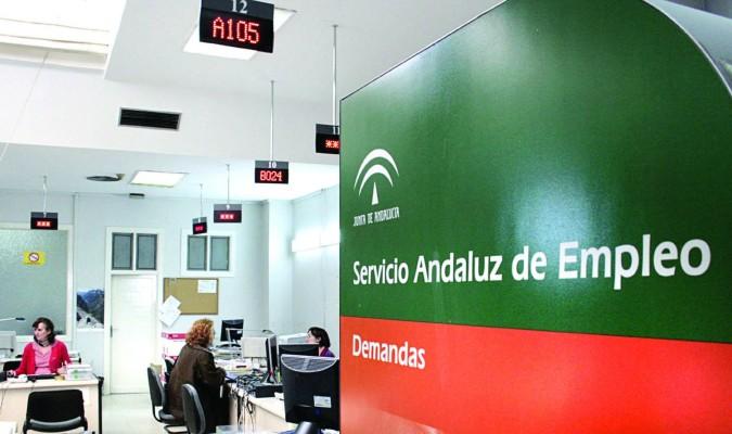 Andaluc a lidera la bajada r cord del paro estatal - Oficina de empleo andalucia ...