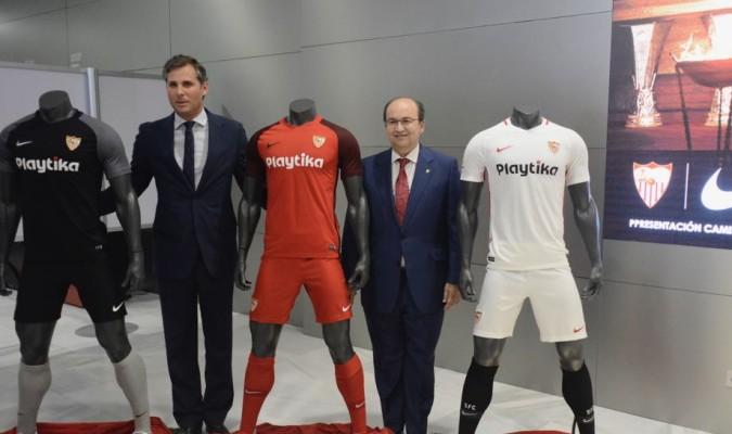 Así son las equipaciones del Sevilla 2018-19 b2ad1b97dd781