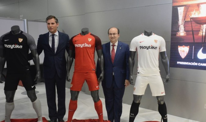 Así son las equipaciones del Sevilla 2018-19 89b4cb0d1bcda