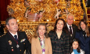 Miguel Rodríguez, jefe superior de Policía de Andalucía Occidental; Felisa Panadero, subdelegada del Gobierno; Carmen Crespo, delegada del Gobierno; y José Luis Maestre, hermano mayor de San Benito.