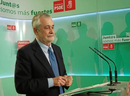 El presidente de la Junta y líder del PSOE-A, José Antonio Griñán, ayer en rueda de prensa.