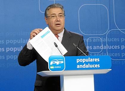 El presidente del PP-A, Juan Ignacio Zoido, hablando sobre los ERE