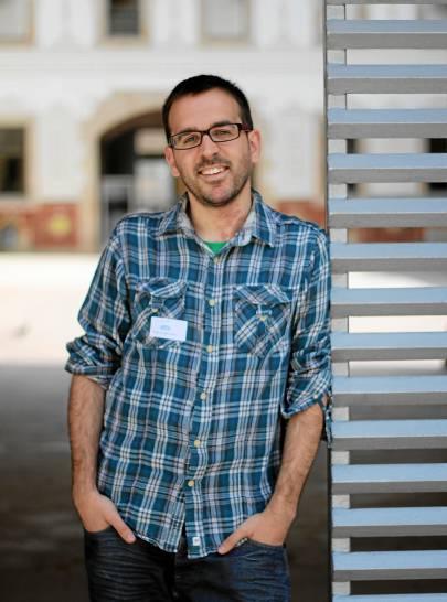 33 Javier López ha escrito 'Yo, precario', un relato ácido en el que narra sus trabajos 'basura'.
