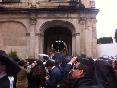 La Paz en el arquillo (@RadioSevilla)