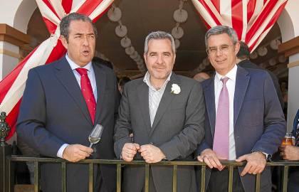 El director de Informativos de la SER, AntonioHernández Rodicio; el director de Contenidos de la SER Andalucía,Diego Suárez; y el director de ElCorreo, Juan Carlos Blanco.