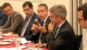 El portavoz de la Agencia Espacial Europea, Javier Ventura, durante su intervención en el foro Hablemos de Europa.